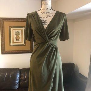 Faux suede fitted Kensie dark green dress